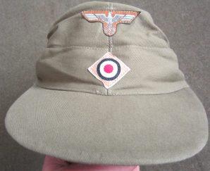 M37 FIELD CAP W/ ATTACHED INSIGNIA