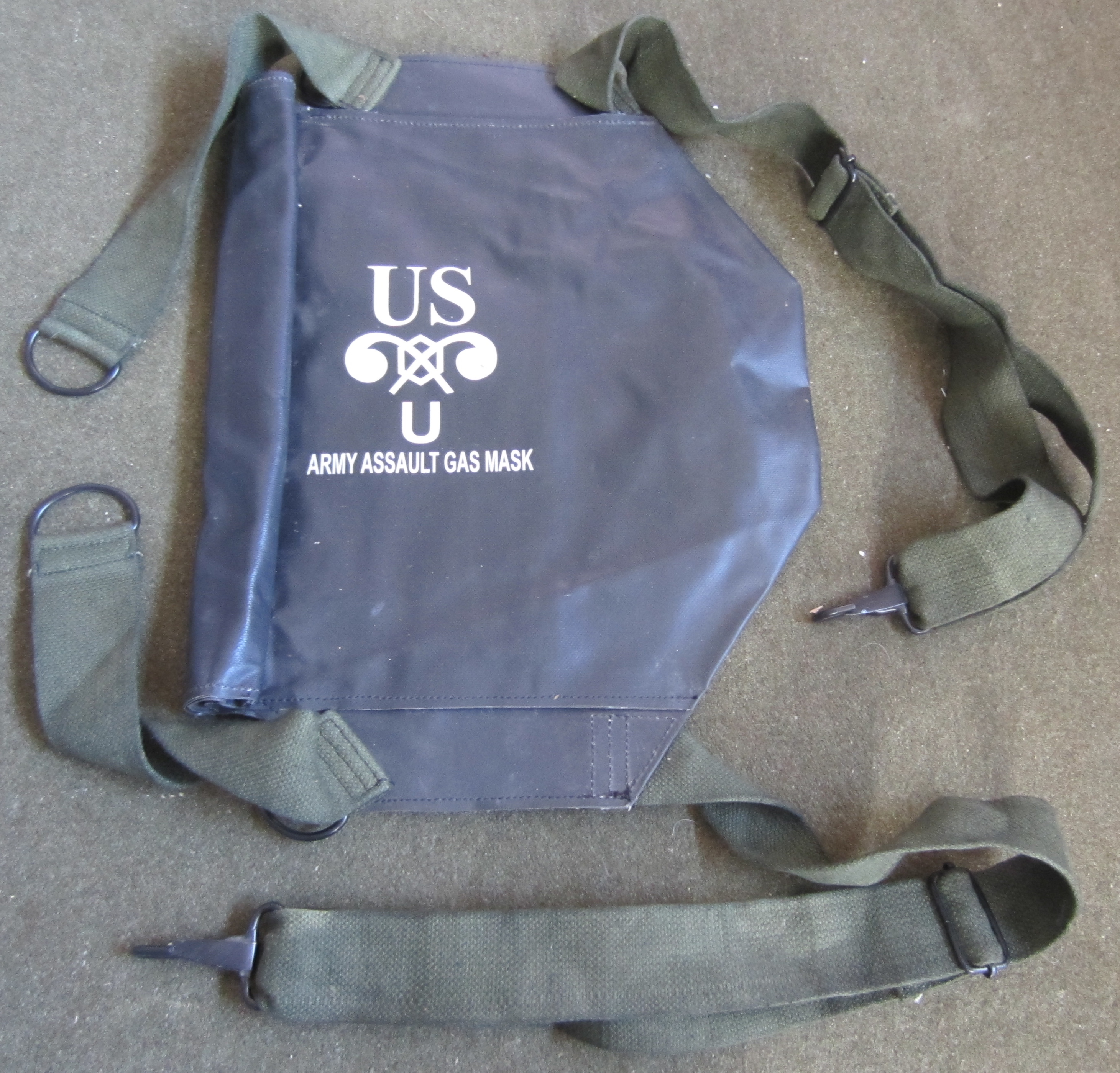 M7 RUBBERIZED ASSAULT GAS MASK BAG